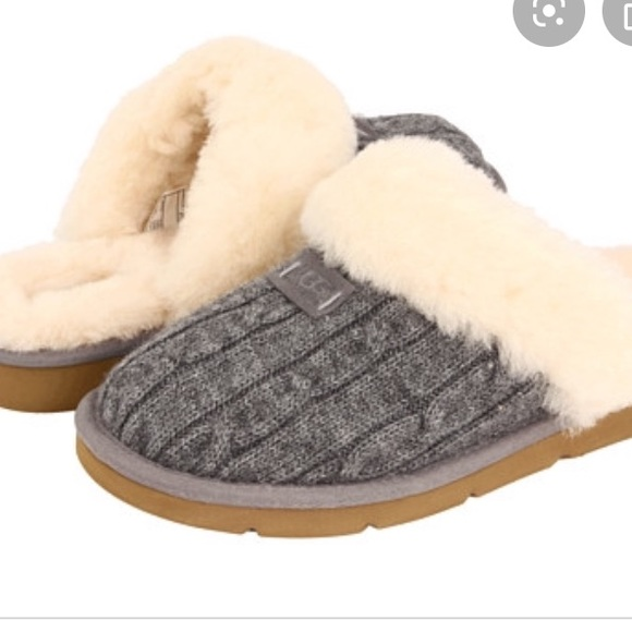 UGG Shoes - UGG grey knit slippers